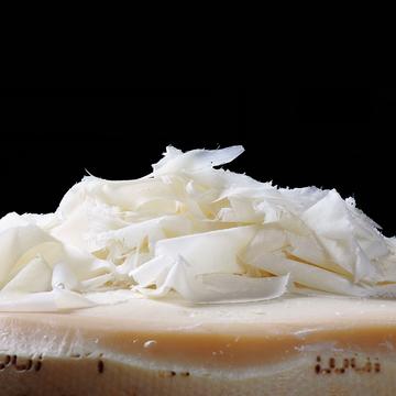 こだわりのチーズ「ベラ・ロディ ラスパドゥーラ」のお話